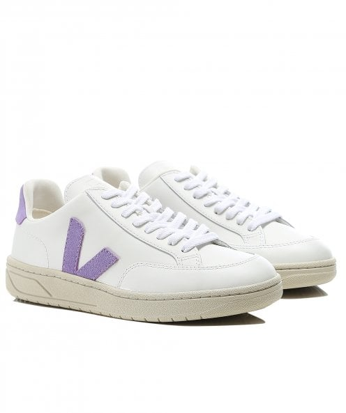 Veja Women's V12 Leather Trainers